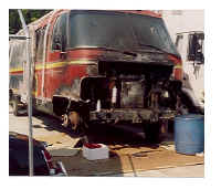 Airstream_1982_Damage_03.jpg (72902 bytes)